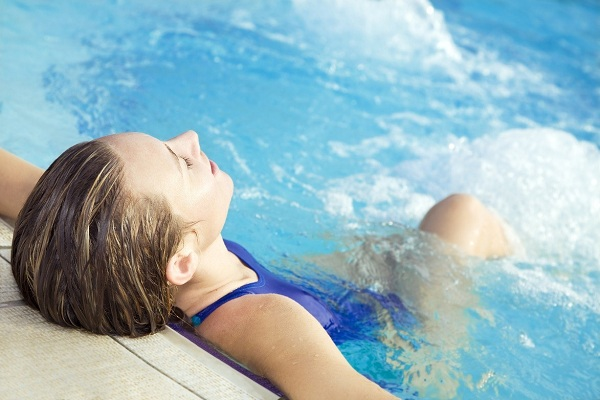 What Are the Benefits of Sitting in a Jacuzz?